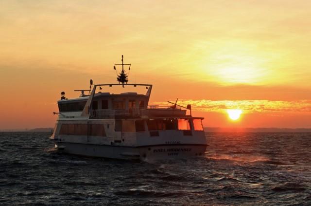 Sonnenaufgang am 31.12.2015 am Hafen in Neuendorf.