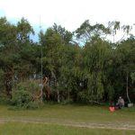 Aufgebaute Antennen in der Nähe des Gellen Leuchtturms